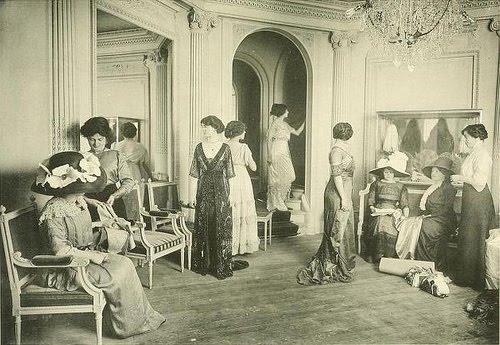 1910 Les Createurs de La Mode - 9 Salon de Vente - Doucet