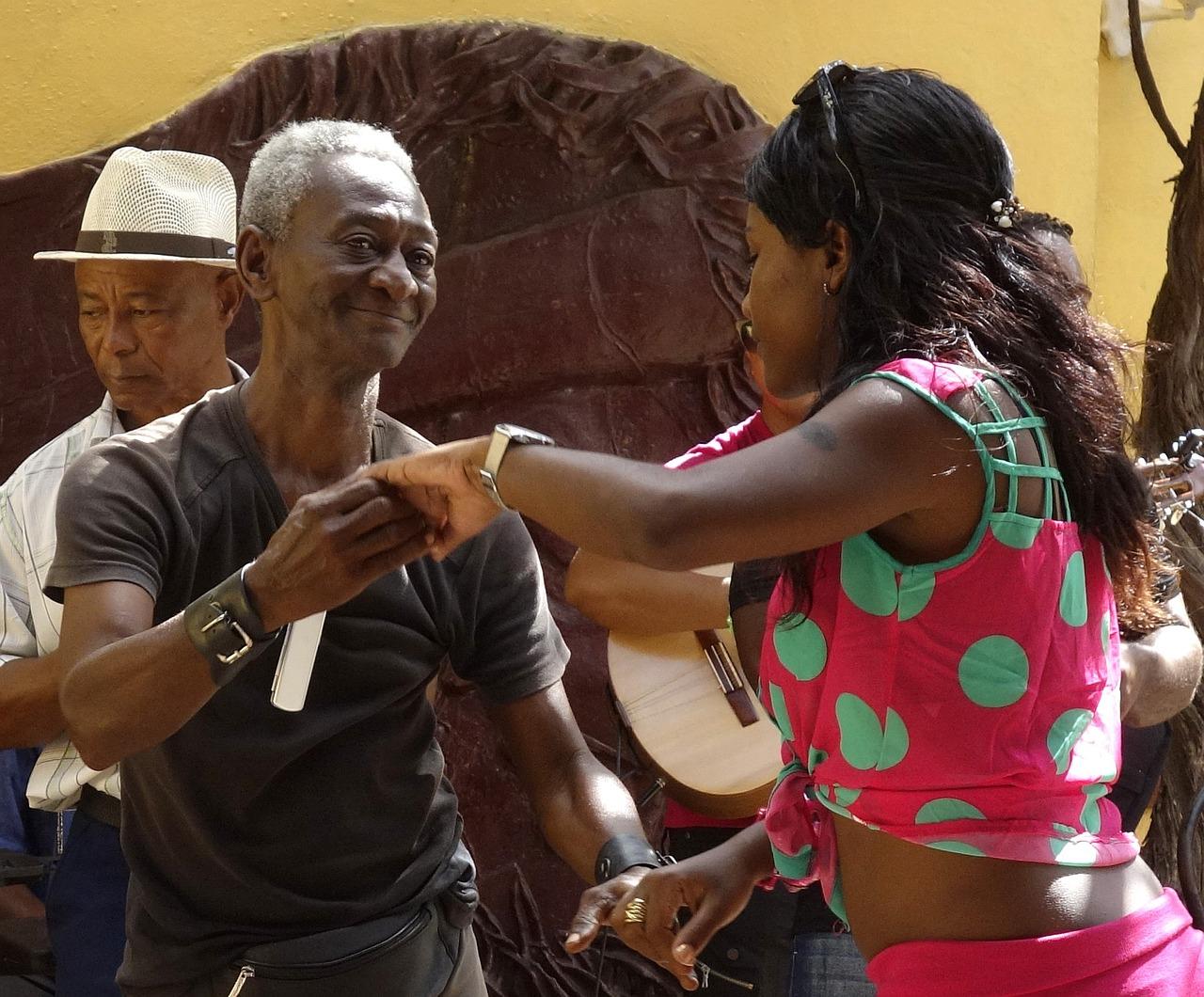 dance-739155_1280