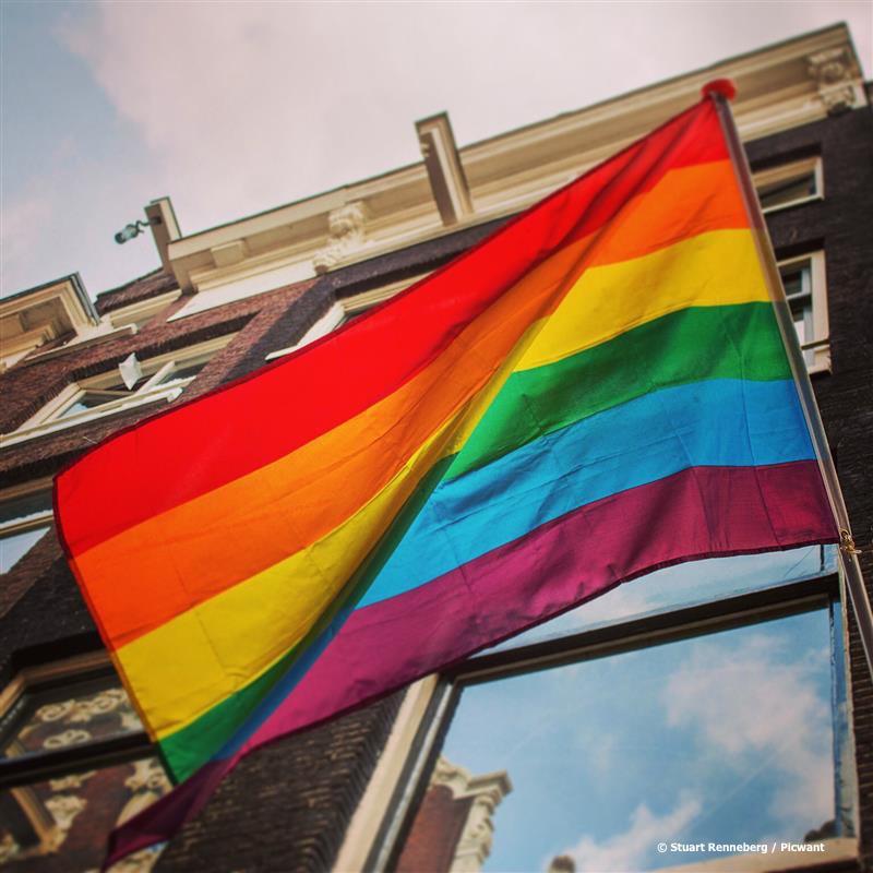Contro omofobia
