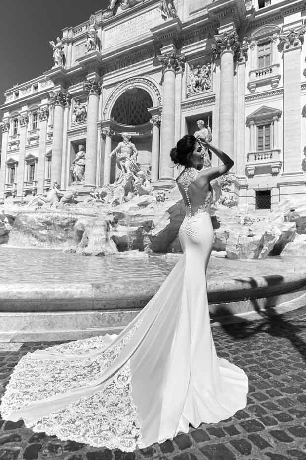 Seductions by Valeria Marini,Maison Signore