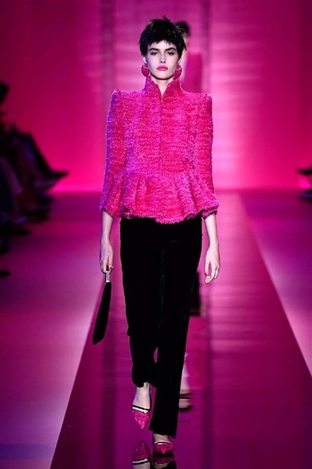new concept a422f bc720 L'alta moda di Armani: eleganza misteriosa