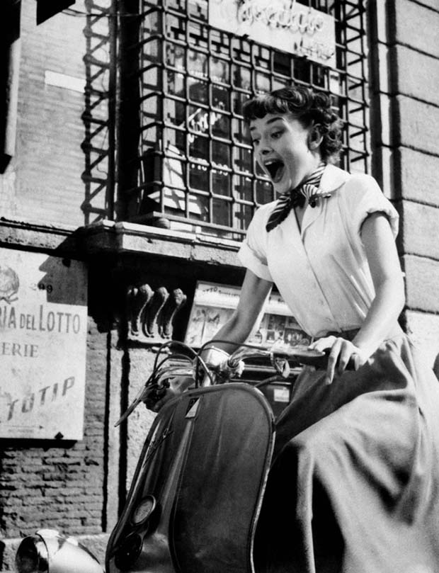 Audrey Hepburn,vacanze romane,capelli corti