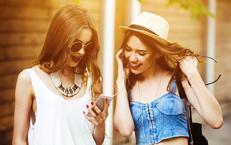 pubblicità,modelle,agenzxie di moda,pubblicità aziende,pubbliredazionali,articoli sponsorizzati,banner pubblicitari,moda,fashion,belle ragazze,abbigliamento,shopping,made in italy