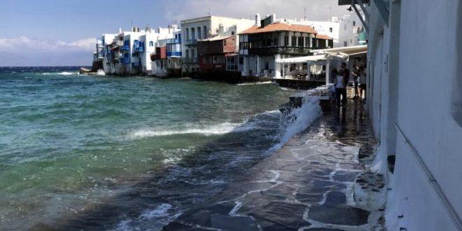 Mykonos e le sue sfumature di blu