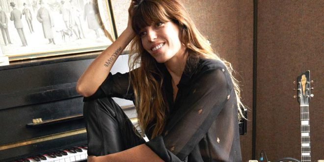 "& Other stories, Lou Doillon testimonial della ""Celebration collection"""