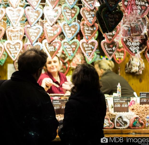 Birmingham-Frankfurt-Christmas-Market-2017-gastronomia-natalizia-cioccolata