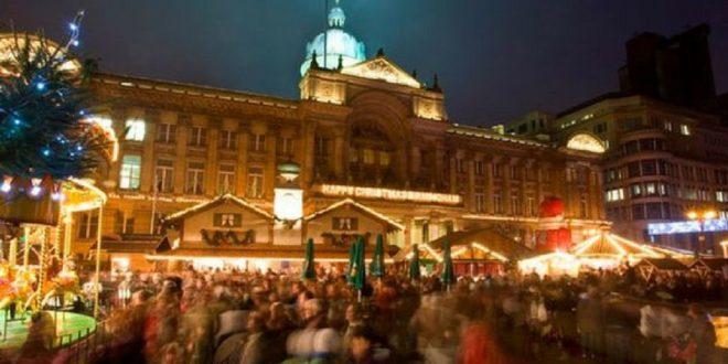 Il Birmingham Frankfurt Christmas Market, un mercato di Natale tedesco in Gran Bretagna