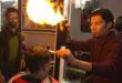 Fire Barbing: i capelli si accorciano dandoli alle fiamme!