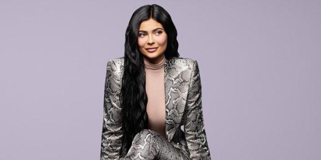 """""""Kylie cosmetics"""", la Coty corteggia la minore delle sorelle Jenner"""