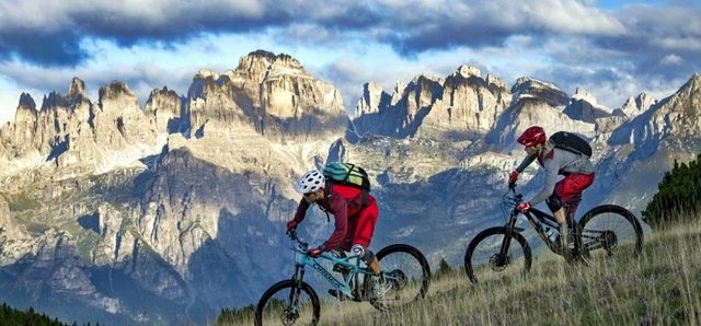 mountain bike, scalata